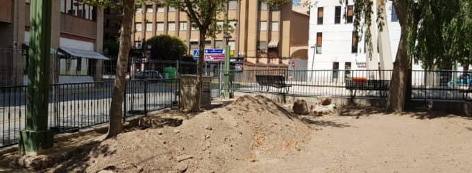 Retirarán siete árboles del arenero de la plaza El Rollo