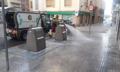 Villena intensifica la limpieza viaria en la época estival
