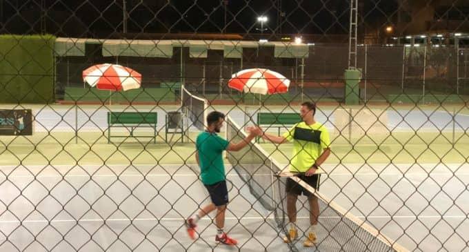 Pablo Bataller vence en la primera ronda del Open de Tenis CAMV