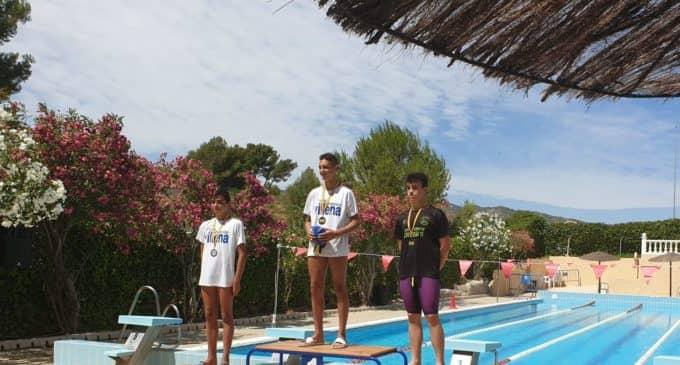 Rafa Mora, doblete de Oro en el Trofeo Club Natación Monóvar
