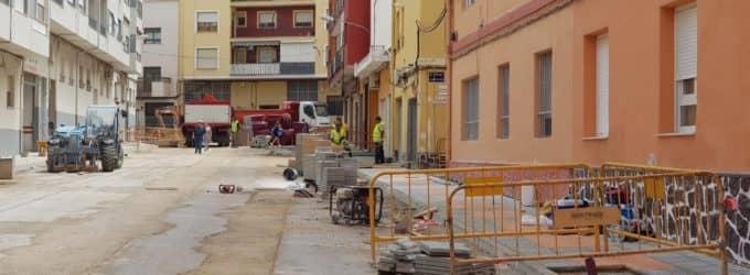 """Los vecinos de La Paz denuncian varios """"despropósitos"""" en las obras en la calle Maestro Francisco Bravo"""