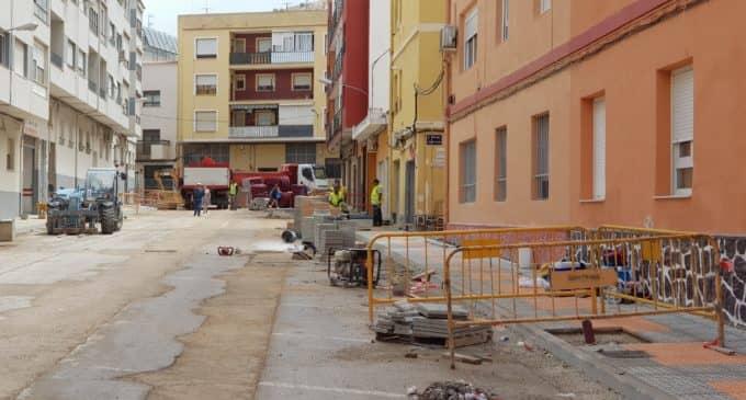 Los vecinos de La Paz denuncian varios «despropósitos» en las obras en la calle Maestro Francisco Bravo