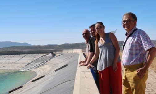 La Consellera de Agricultura visita Villena para conocer sus necesidades hídricas