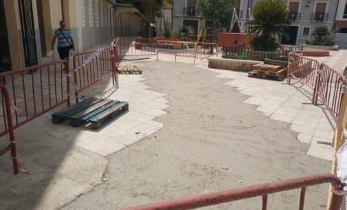 Finaliza la actuación de urgencia en la plaza Las Malvas