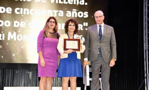 Chari Mondéjar Martín gana el premio Faustino Alonso Gotor de la comparsa de Estudiantes