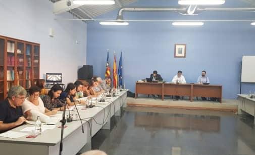 Los Verdes votan en contra de la propuesta de oferta de empleo público del PSOE, según informa el PP