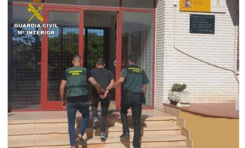 Detienen a un vecino de Biar como presunto autor de un robo con butrón en Aspe