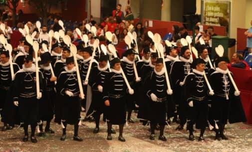 Socios de la comparsa de Estudiantes plantean la participación de escuadras especiales en los desfiles