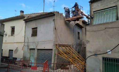 El Ayuntamiento procede a la demolición de una de las viviendas de la calle Telarete por seguridad