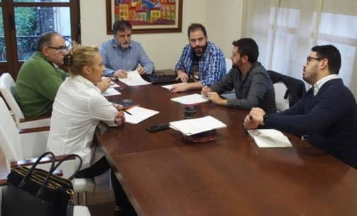 El Ayuntamiento inicia el expediente para otorgar la Medalla de Oro de Villena a la Cooperativa Agrícola y APADIS