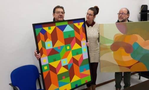 """Tomás Navarro y """"Chispes"""" donan dos cuadros al Ayuntamiento de Villena"""