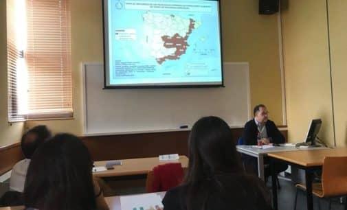 Las fiestas de Moros y Cristianos de Villena, como caso de estudio de industrias culturales y creativas, en un congreso internacional