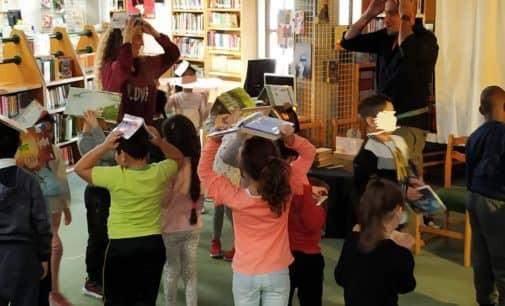 Las bibliotecas se llenan de vida, mucho ruido..  y se ponen a jugar  !!!