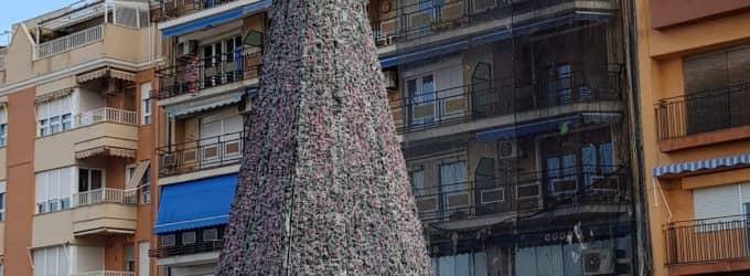 Desplazarán unos metros el árbol de Navidad  para garantizar la seguridad de los peatones
