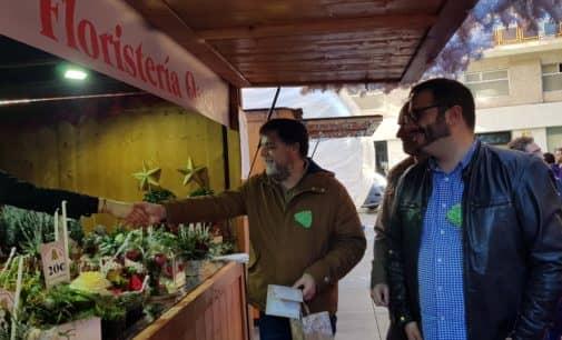 Feria de Navidad solidaria en el Paseo Chapí
