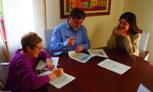 Villena firma el convenio con Cruz Roja por 80.000 euros