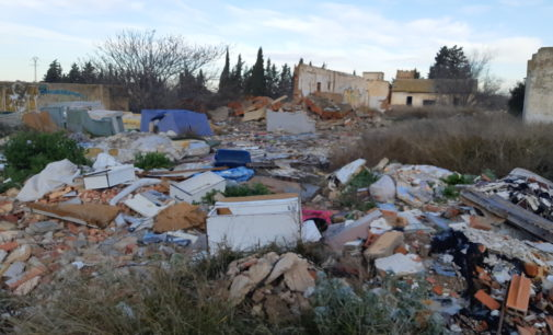 Un vecino denuncia un vertedero ilegal en Bulilla