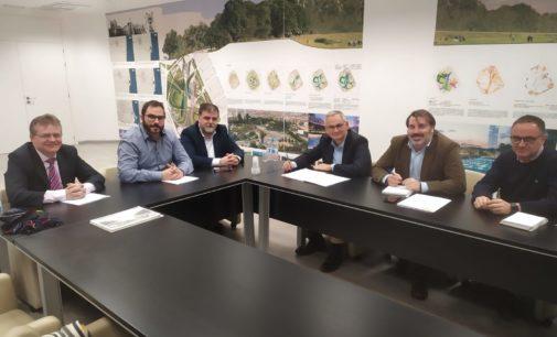 El alcalde presenta a la autoridad encargada del nodo logístico los planes de Villena