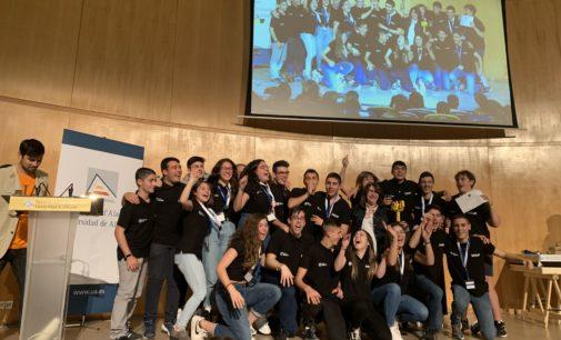 Un grupo de estudiantes lanzan un crowdfunding para asistir al campeonato final de la First Lego League