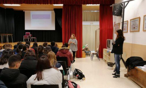 La Universidad de Alicante se acerca a los estudiantes de segundo de Bachillerato de Villena