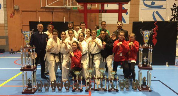 Los karatekas triunfan en el Campeonato de España