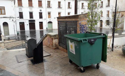 La concejalía de recogida de basura mantendrá las tapas de los contenedores abiertas