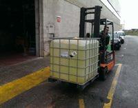 Centro Comercial Ferri dona un tanque de 1.000 litros de cloro para desinfección
