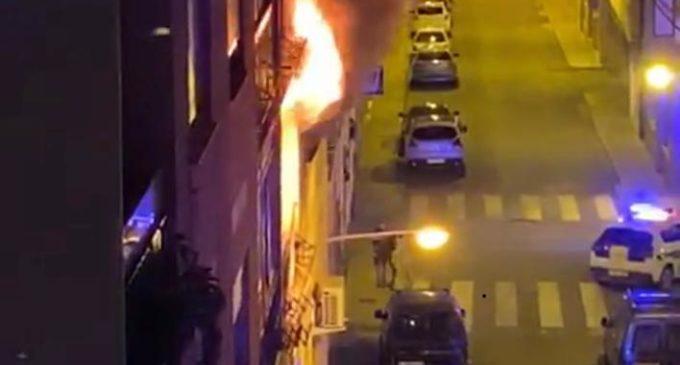 Incendio en una vivienda de la calle Pintor Luis García