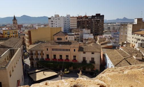 Proponen realzar la iluminación del Palacio Consistorial y la iglesia de Santiago