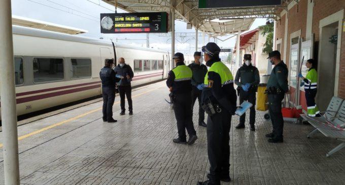 Inician el reparto de mascarillas en el transporte público