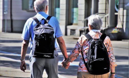 Las farmacias distribuirán mascarillas a los mayores de 65 años
