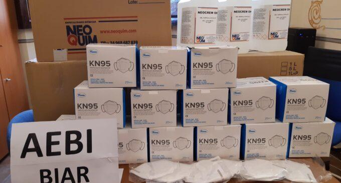 El Ayuntamiento de Biar entrega cerca de 350 mascarillas y 70 litros de loción higienizante a AEBI