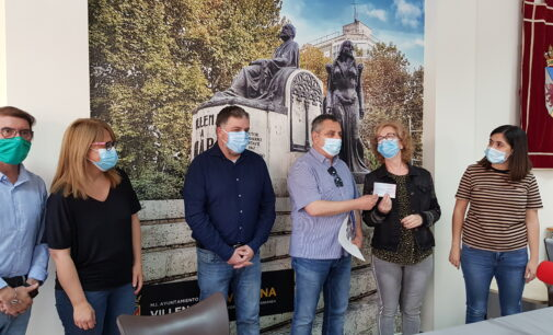 La acción solidaria de Villena Cuéntame bate récord con  4.610 euros para la asociación Juan Navío