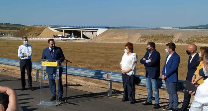 Fomento pone en marcha un ramal de la A-33 que conecta Villena con Fuente la Higuera