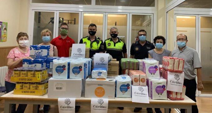 La Policía Local dona a Cáritas productos de primera necesidad