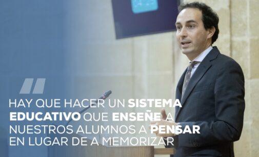 El portavoz de educación en el Parlamento de Andalucía en los Encuentros Digitales del PP de Villena