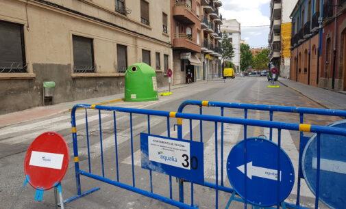 Cortan al tráfico un tramo de la calle Ferriz en Villena