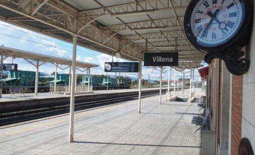 ADIF formaliza el contrato para la instalación de dos ascensores en la estación de Villena
