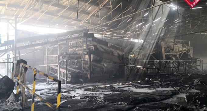 Incendio en una nave de residuos en Villena