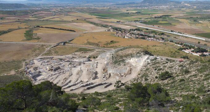 Nace un colectivo para salvar el monte El Rocín en La Encina y cerrar la cantera