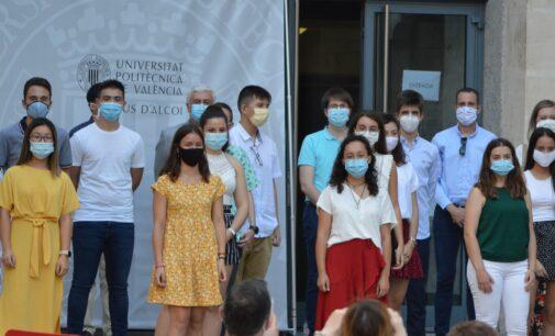"""Tres estudiantes de Villena se alzan con el premio """"Futuro"""" del Campus de Alcoy de la UPV"""