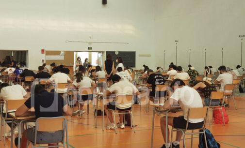 Cerca de 200 estudiantes de Villena se enfrentan a la PAU en sus institutos