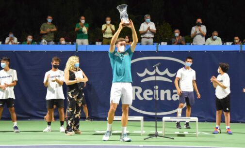 Carreño dona  a APADIS el premio del  torneo de tenis 25 aniversario Equelite
