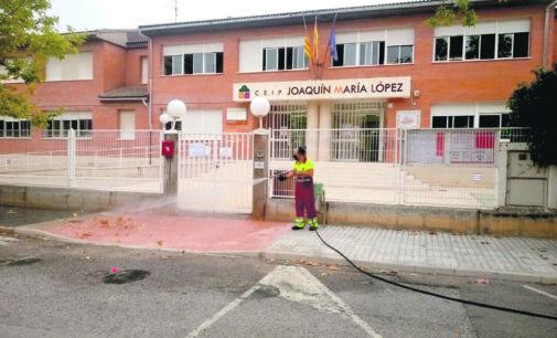 El Ayuntamiento invertirá 34.000 € en reforzar la limpieza de centros educativos y Conservatorio