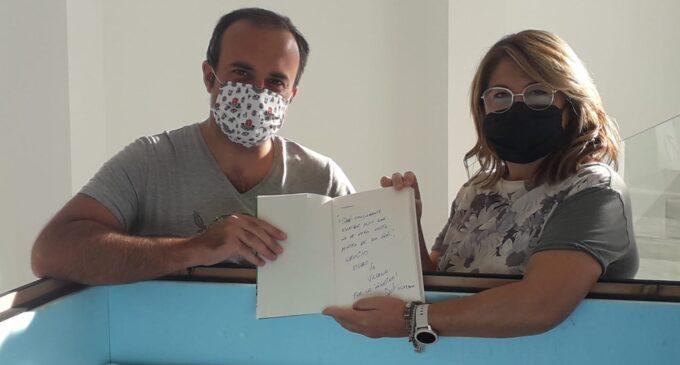 El último libro del periodista Jordi Évole se incorpora a la 'Cápsula del tiempo Covid-19' de Villena