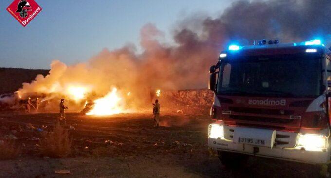 Incendio en un vertedero de Villena