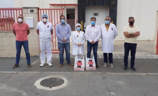 El alcalde y el concejal de Industria visitan Cárnicas Grau con distintivo IFS Food