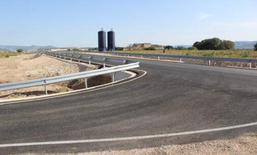 Conselleria invierte 260.000 € en mejorar la carretera de Caudete