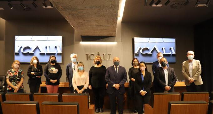 El Ilustre Colegio de la Abogacía de Alicante entrega una ayuda a APADIS