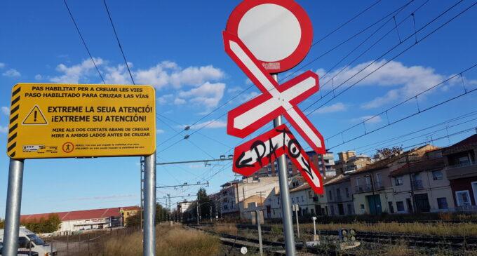 El PP alerta de las dudas horarias  sobre el cierre del paso a nivel de la carretera de Yecla